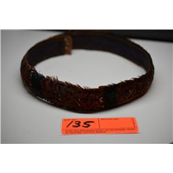 """Brown Pheasant Feather Hat Band - 1 1/2"""" Width, 5 Bands of Drk Blue/Green Feathers, Good Cond."""