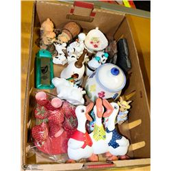 FLAT OF VINTAGE MINIATURE COLLECTABLES