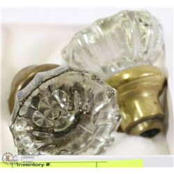 PAIR OF GLASS ANTIQUE DOOR KNOBS