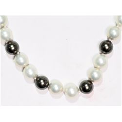 #2-BLACK AND WHITE MAJORCA PEARL NECKLACE