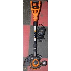 WORX 18V TRIMMER WITH 2 BATTERIES AND CHARGER