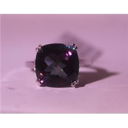 Exquisite Sterling Silver Ring with Lab Alexandrite