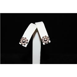 Fine Flower Silver Stud Earrings (59E)