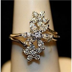 Fancy Diamonds Sterling Silver Ring. (720L)
