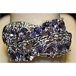 Beautiful Tanzanites Sterling Silver Ring. (270L)