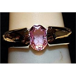 Beautiful Pink Sapphire Sterling Silver Ring. (194L)