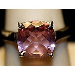 Gorgeous Pink Sapphire Sterling Silver Ring. (197L)