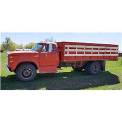 1974 Dodge D600 2-ton, 318 eng., 5 spd./ 2 rear axle / 3 speed Brownie (creeper under, creeper & hig