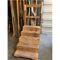 PAIR OF WOODEN MOBILE SHOP STAIRS & MOBILE TABLE