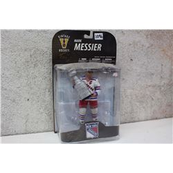 NHL Vintage Hockey Figure (Mark Messier)