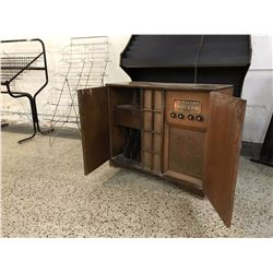 Wood, Doored Record Player with Radio and Record Trays (Powers on, Not Known Functioning)