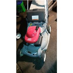 Honda 5.0 hrb215 Lawnmower