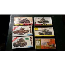 Models (6) (1 Sealed) Complete