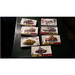 Models (7) (1 Sealed) Complete