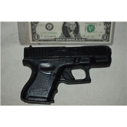 GUN PISTOL STUNT RUBBER FROM UNKNOWN PRODUCTION 04