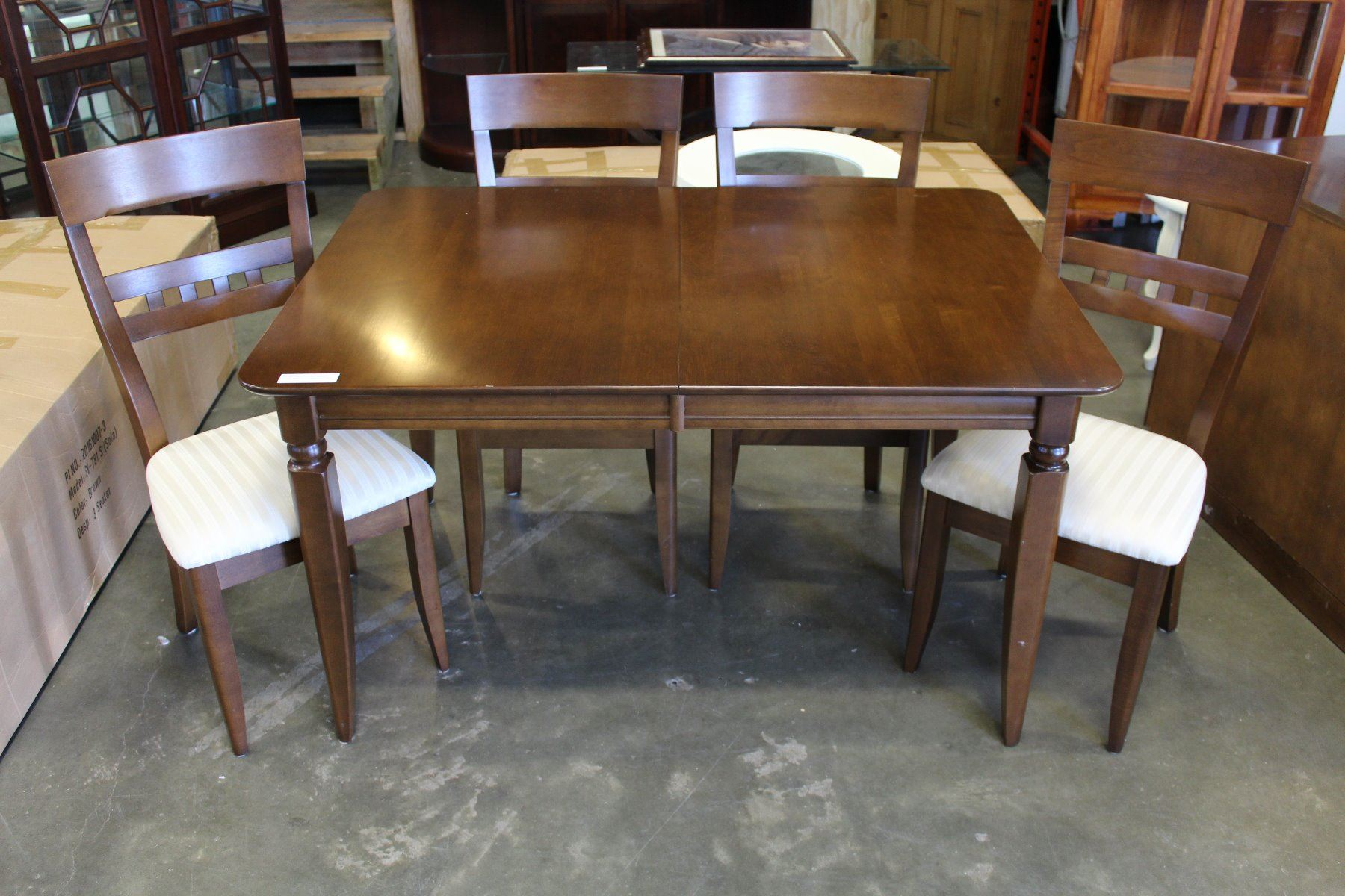 Image 2 ROXTON TEMPLE STUART MODERN DINING TABLE 4 CHAIRS LEAF