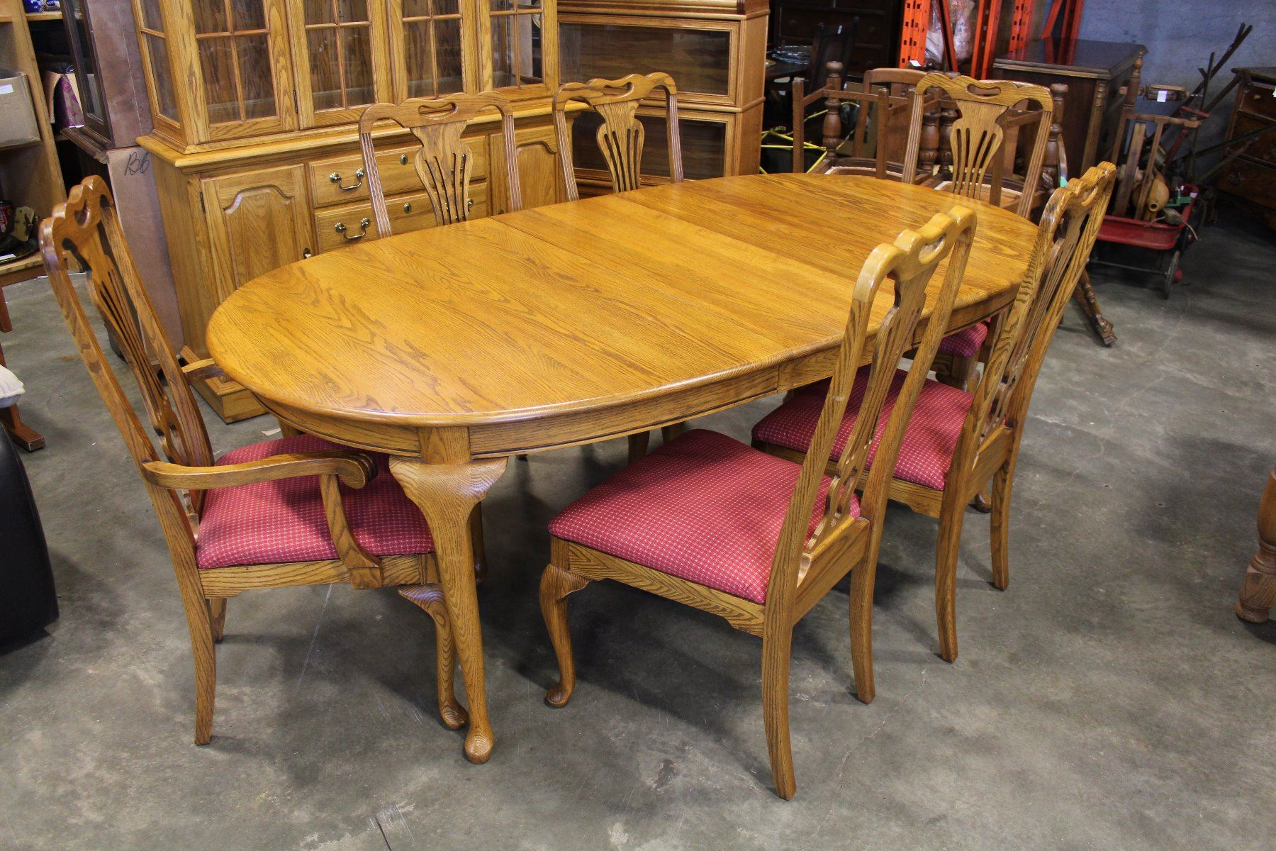 Image 1 JAMESTOWN STERLING SOLID OAK DINING TABLE W LEAFS 6 CHAIRS INCLUDING