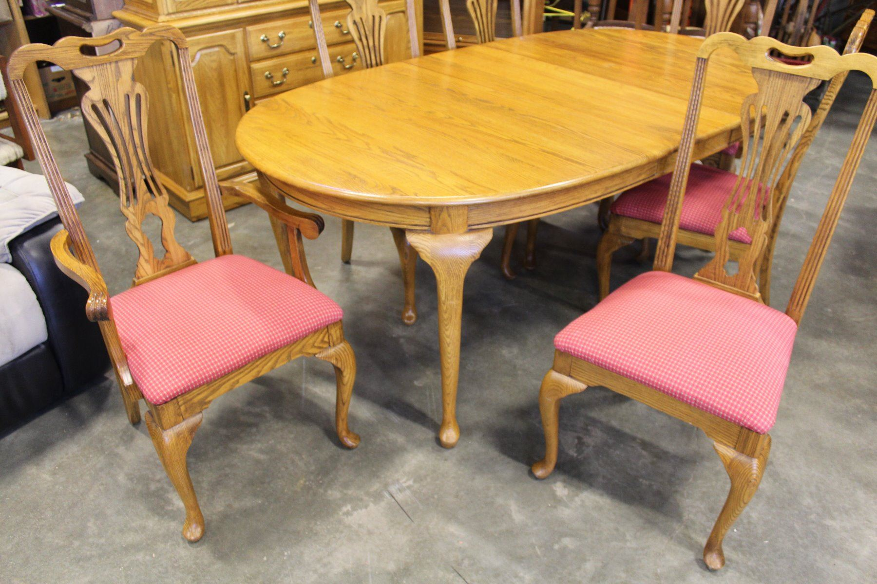 Image 2 JAMESTOWN STERLING SOLID OAK DINING TABLE W LEAFS 6 CHAIRS INCLUDING