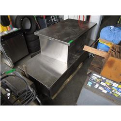 2 Stainless Steel Tables