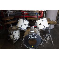 PEARL DRUM SET WITH STOOL