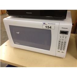 PANASONIC COUNTERTOP HIGH POWER DIGITAL MICROWAVE, WHITE, USED