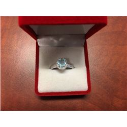 BLUE TOPAZ & DIAMOND SOLITAIRE RING, 4 CLAW SETTING, 1CT ROUND CUT, 2 DIAMONDS