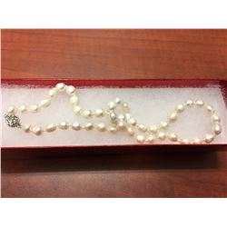 FRESHWATER PEARL NECKLACE, HAND TIED, OFF WHITE LUSTER, ROSE CLASP