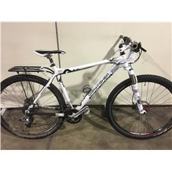 WHITE GARY FISHER PARAGON 27 SPEED FRONT SUSPENSION MOUNTAIN BIKE WITH FULL DISC BRAKES