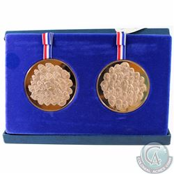 1776-1976 Franklin Mint's Bicentennial Bronze Proof 2-coin Medallion set. Coin comes displayed in th