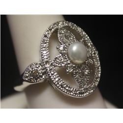 Gorgeous Broka Pearl & Diamonds Silver Ring