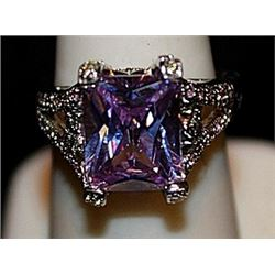 Beautiful Lab Kunzite & White Topaz SS Ring. (566L)
