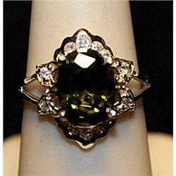 Fancy Peridot & White Topaz Sterling Silver Ring. (547L)