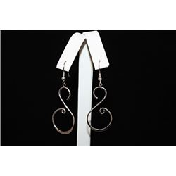 Gorgeous Chic Silver Earrings (65E)