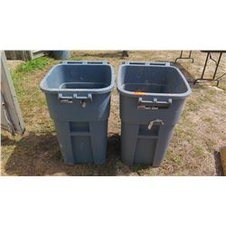 Qty 2 Large Rubbermaid Grary Commercial Utility Bins w/Wheels