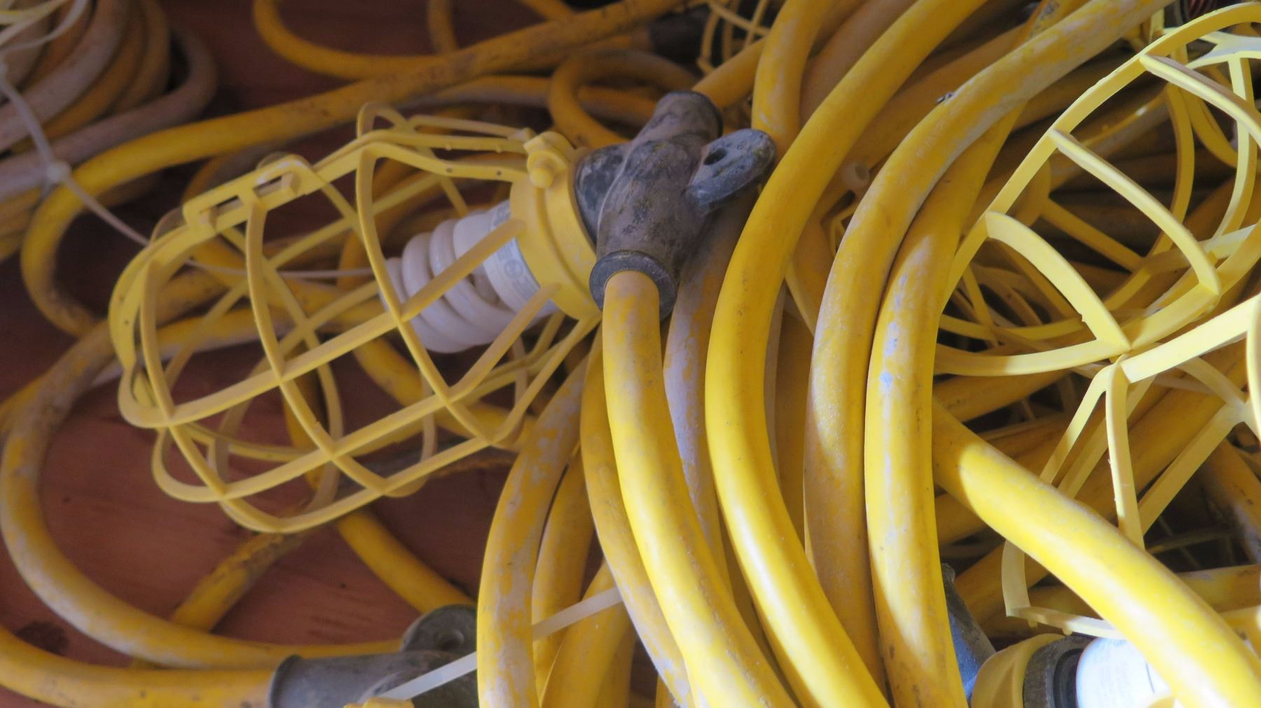 String Utility Lights : Large Bundle Plastic-Cage Utility String Lights - Yellow and White Cabling