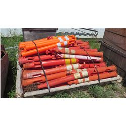 Approx. 75 Qty Rubberized Orange Vertical Safety Delineators
