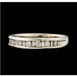 0.38 ctw Diamond Ring - 14KT White Gold