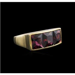 14KT Yellow Gold 9.00 ctw Red Garnet Ring