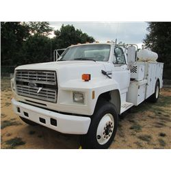 1994 FORD F800 SERVICE TRUCK, VIN/SN:1FDXK84E2RVA23417 - S/A, FORD DIESEL ENG, 6 SPD TRANS, IMT SERV