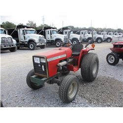 MASSEY FERGUSON 1020 FARM TRACTOR, VIN/SN:43528 - 3 PTH, PTO, ROLL BAR, 13.6-16 TIRES, METER READING