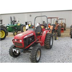 MAHINDRA 2615 FARM TRACTOR, VIN/SN:272034 - MFWD, PTO, 3 PTH, ROLL BAR, 15-19.5 TIRES, METER READING