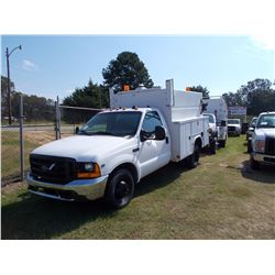 2000 FORD F350 SERVICE TRUCK, VIN/SN:1FDWF36LXYED75903 - S/A, V8 GAS ENGINE, A/T, ENCLOSED SERVICE B