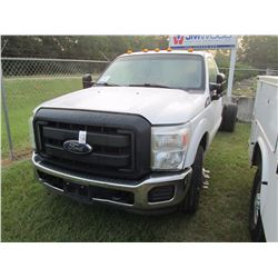 2013 FORD F350 CAB & CHASSIS, VIN/SN:1FDRF3G65DEB42379 - V8 GAS ENG, A/T, ODOMETER READING 205,112 M