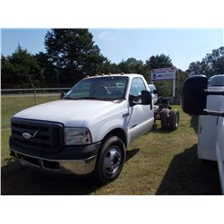 2007 FORD F350 CAB & CHASSIS, VIN/SN:1FDWF3-27EB15917 - POWER STROKE DIESEL ENG, A/T, ODOMETER READI