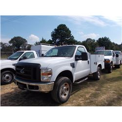 2008 FORD F350 SERVICE TRUCK, VIN/SN:1FDWF31568ED39392 - 4X4, V8 GAS ENG, A/T, READING SERVICE BODY,
