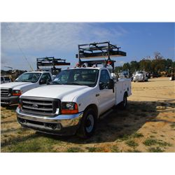 2000 FORD F350XL TRAFFIC CONTROL TRUCK, VIN/SN:1FDSF34L1YEB94755 - TRITON V8 GAS ENG, A/T, LED MESSA
