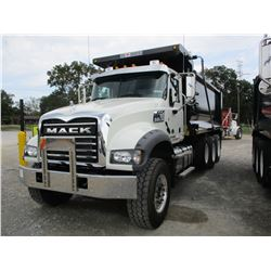 2017 MACK GU713 DUMP, VIN/SN:1M2AX07C2HM036384 - TRI-AXLE, 455HP MACK MP8 ENGINE, ALLISON A/T, 44K R