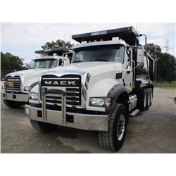 2017 MACK GU713 DUMP, VIN/SN:1M2AX07C0HM036383 - TRI-AXLE, 455HP MACK MP8 ENGINE, ALLISON A/T, 44K R