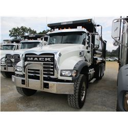 2017 MACK GU713 DUMP, VIN/SN:1M2AX07C8HM036387 - TRI-AXLE, 455HP MACK MP8 ENGINE, ALLISON A/T, 44K R