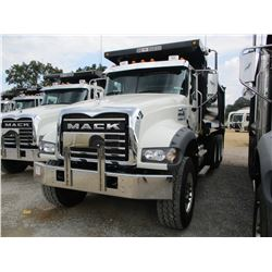 2017 MACK GU713 DUMP, VIN/SN:1M2AX07CXHMO36388 - TRI-AXLE, 455HP MACK MP8 ENGINE, ALLISON A/T, 44K R